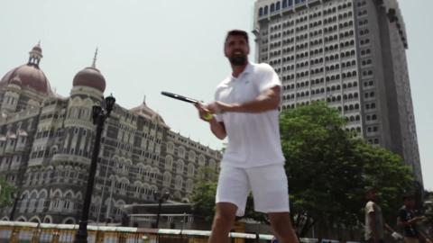 Tim Henman and Goran Ivanisevic at the Gateway of India