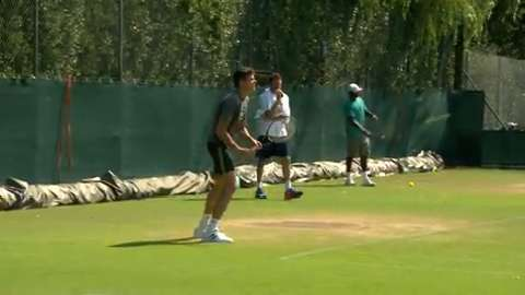 Milos Raonic on the practice court