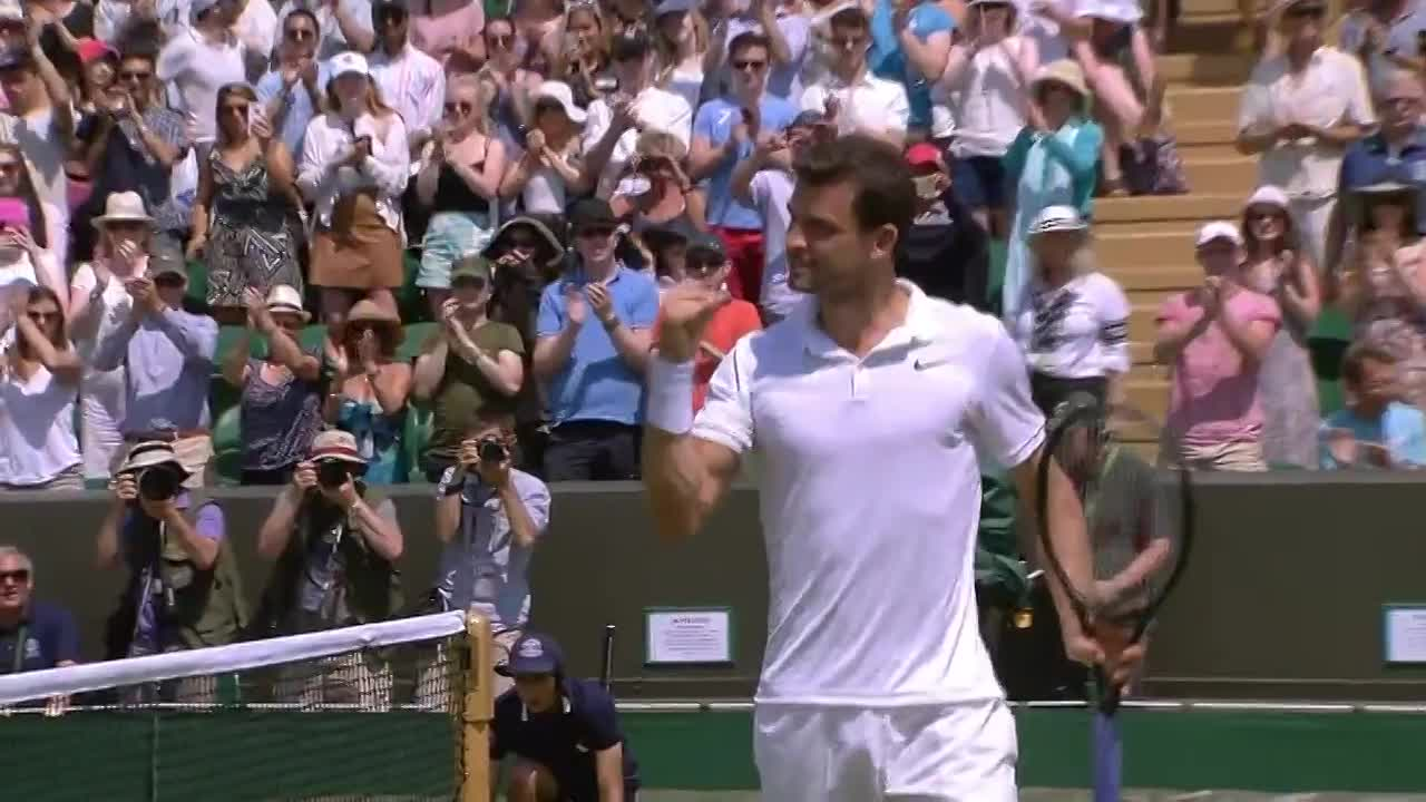 Grigor Dimitrov appreciates the applause