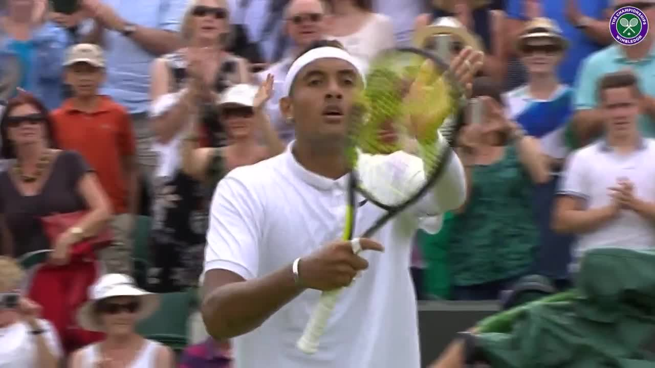 Kyrgios shows his appreciation to the crowd