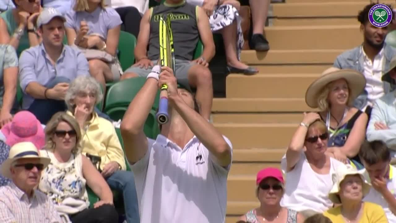Gasquet looks to the heavens