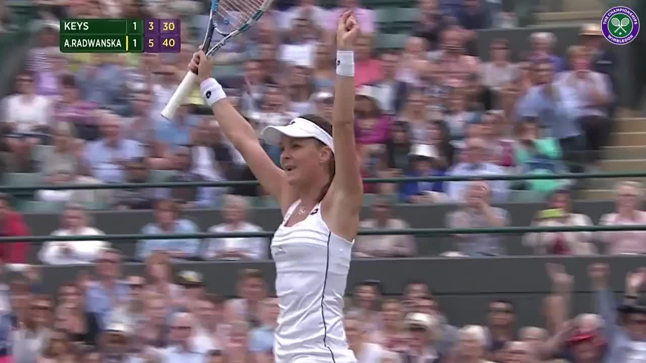 Radwanska sparks euphoric scenes from her team
