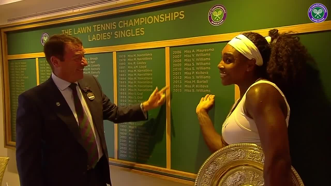 Serena visits the Roll of Honour