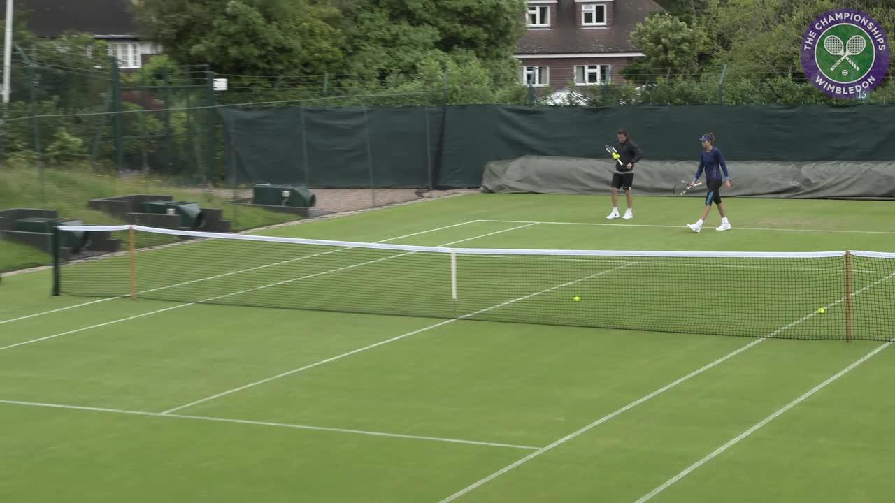 French Open champion Muguruza back on grass