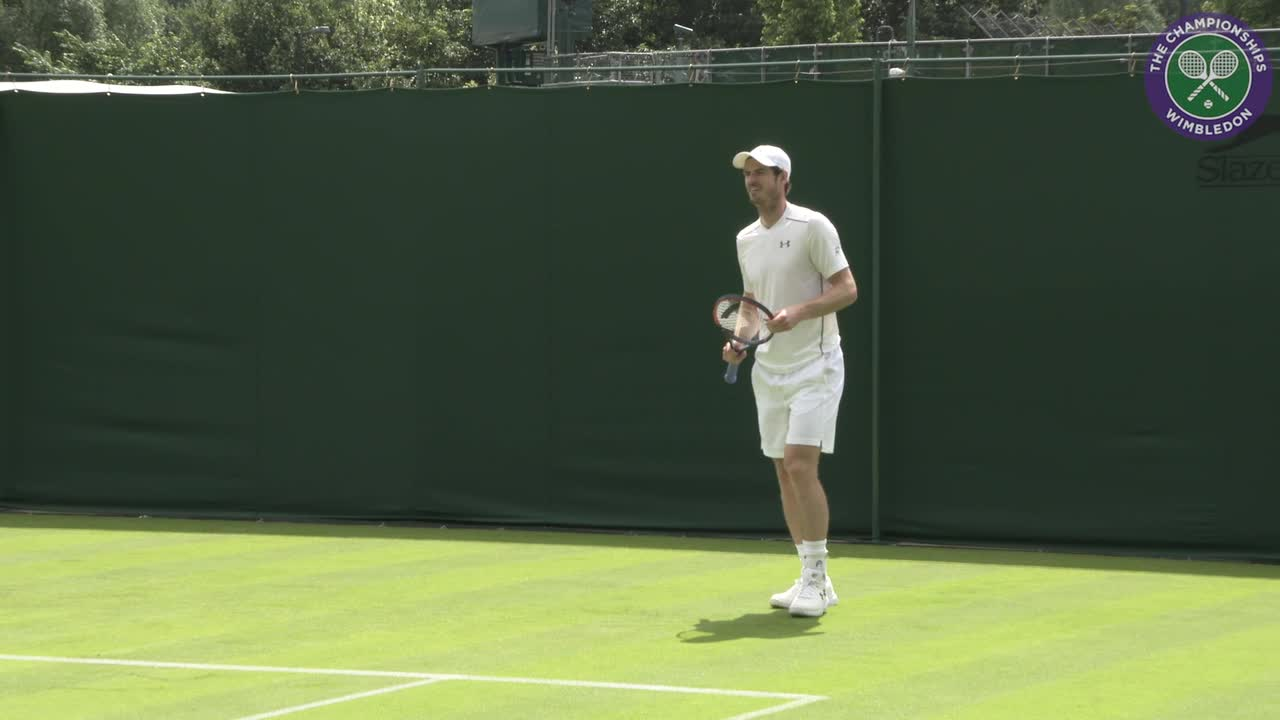 Murray plays practice set ahead of Wimbledon bid