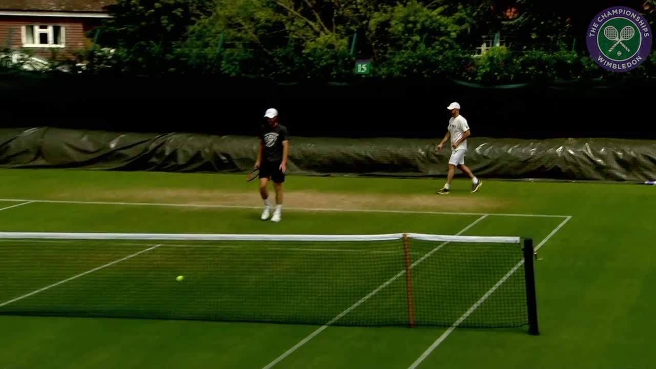 Murray practises ahead of first round encounter with Broady