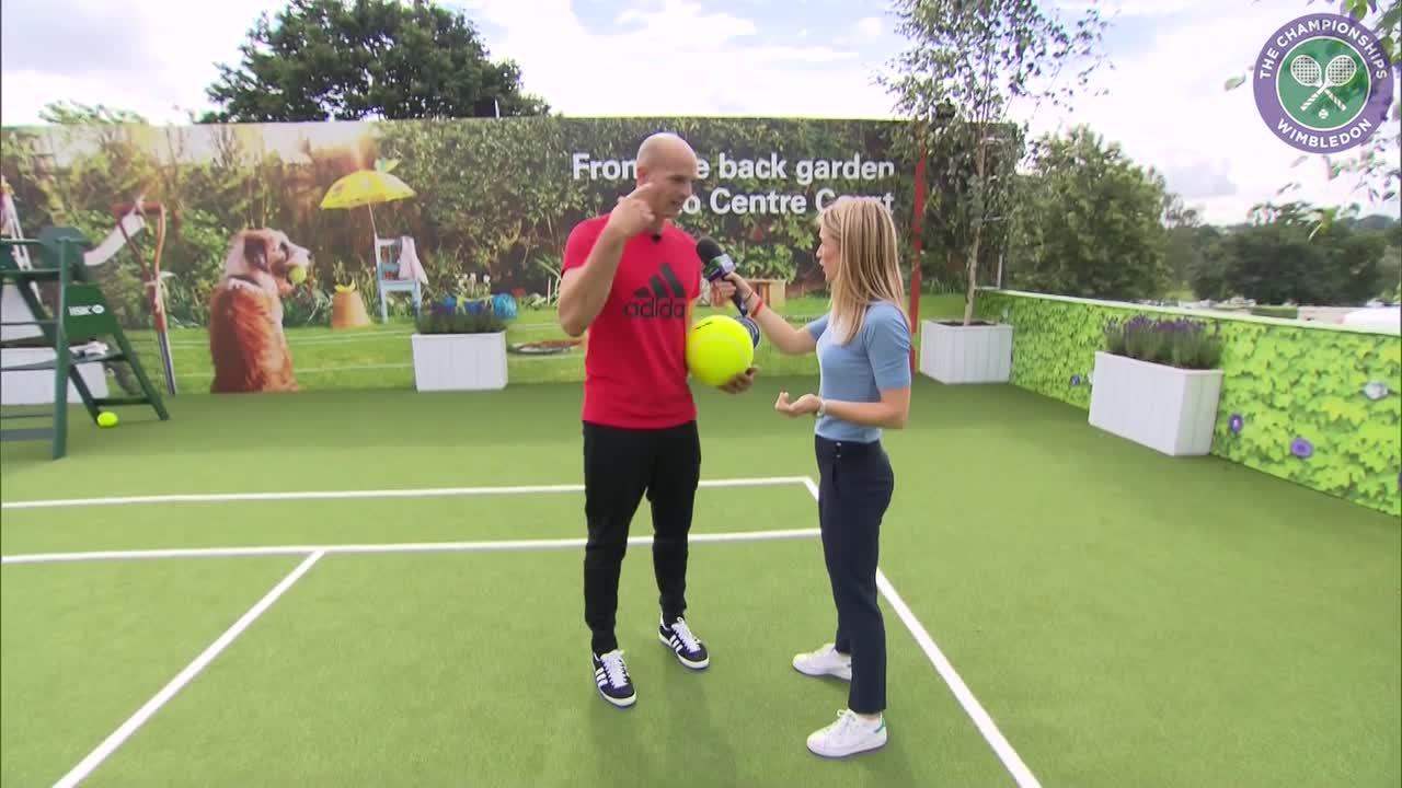 Football freestyler Daniel Cuttings teaches tennis stars a trick or two