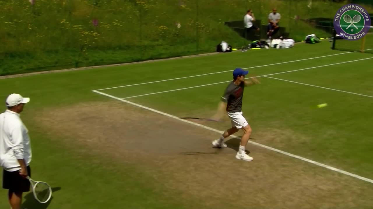Murray on practice court ahead of second round match with Lu