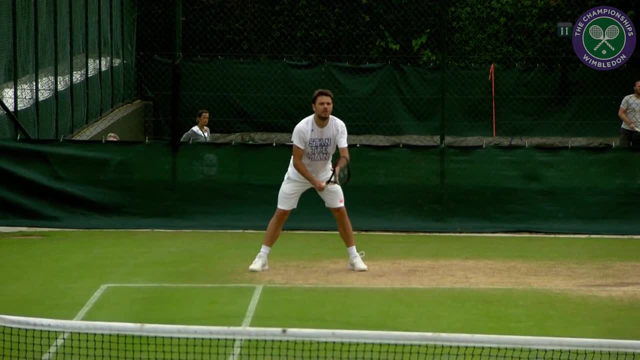 Wawrinka on practice court ahead of second round encounter with Del Potro