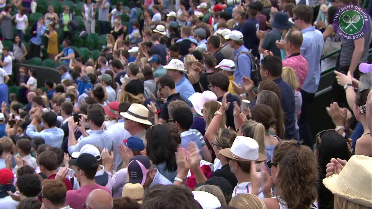 Crowd salutes Tsonga after overcoming Isner in five set thriller