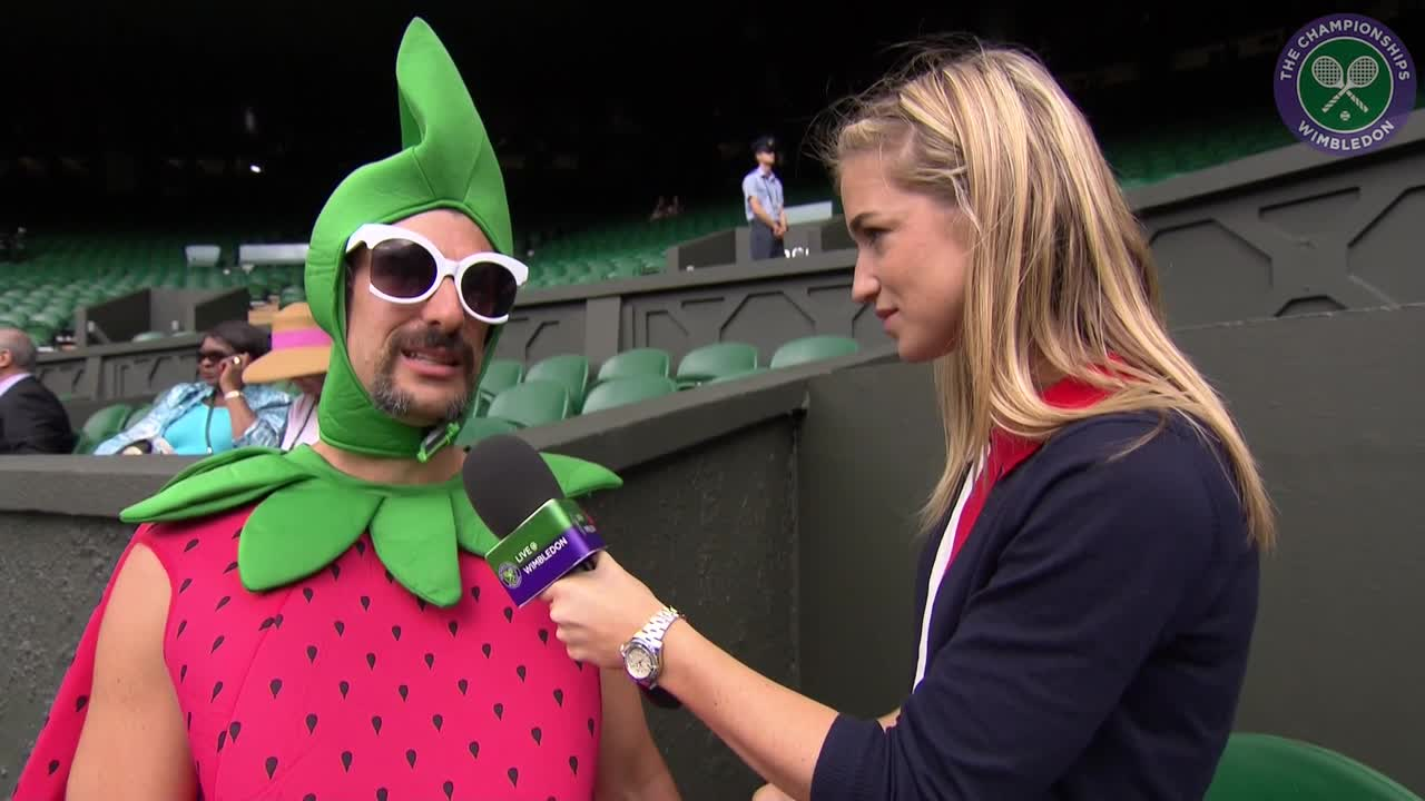 Strawberry costume clad super fan braves four day queue for Centre Court ticket