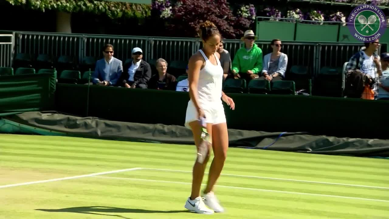 Madison Keys warms up ahead of fourth round match