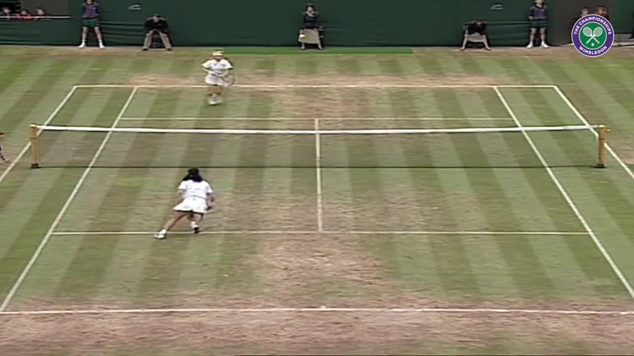 Wimbledon's Christmas Countdown: Day 6, Novotna v Sanchez-Vicario