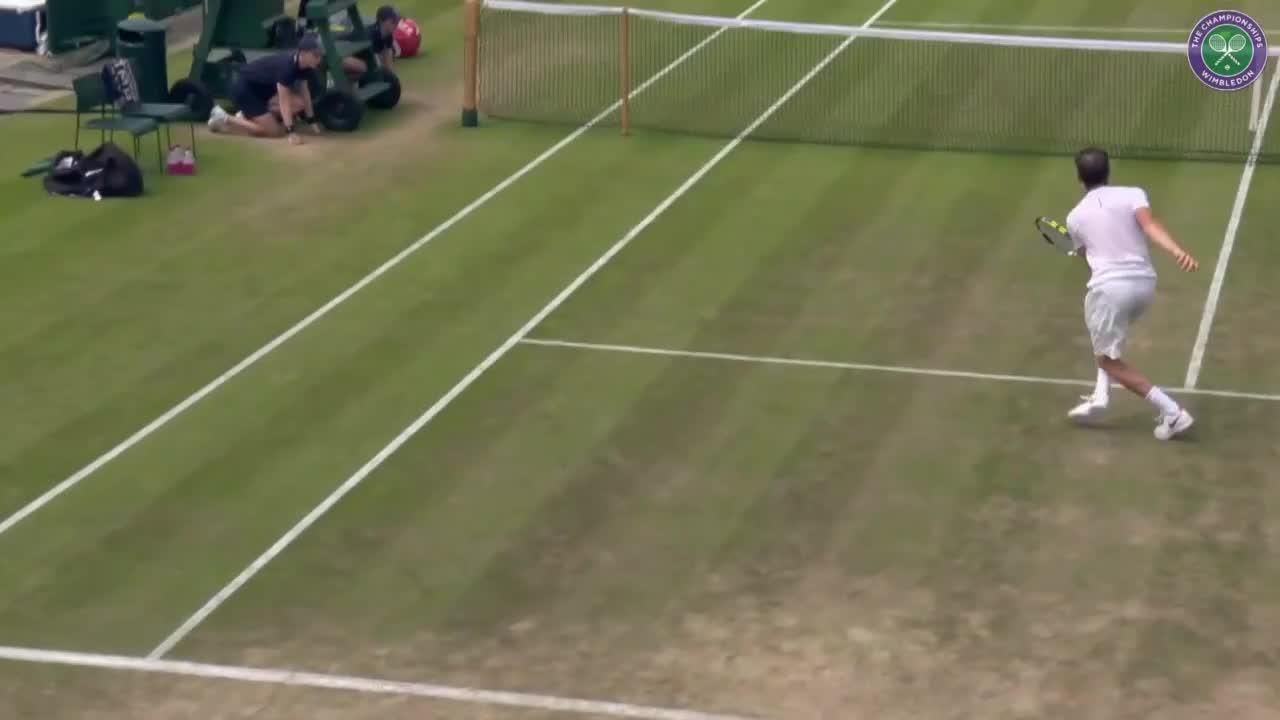 Monfils' 360 spinning backhand