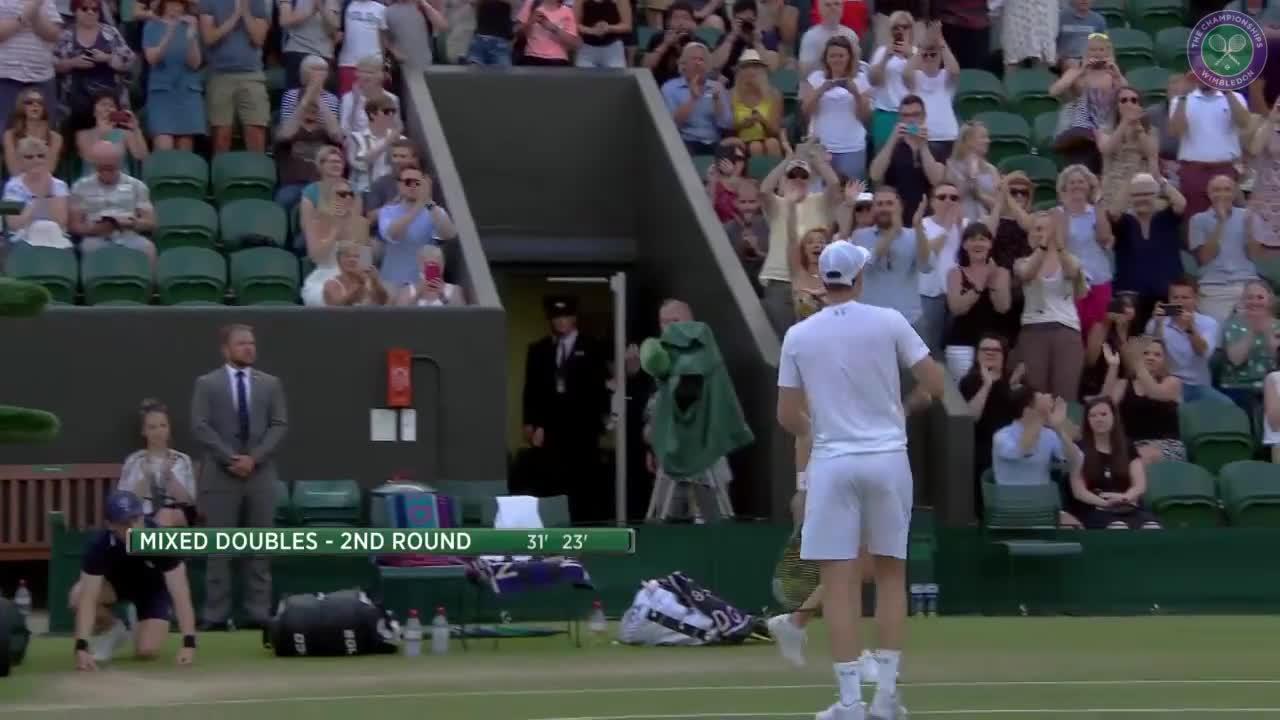 Murray & Hingis make winning start in mixed