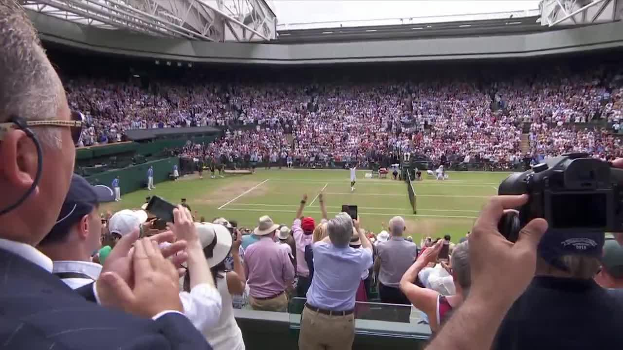 WATCH: Federer wins eighth title