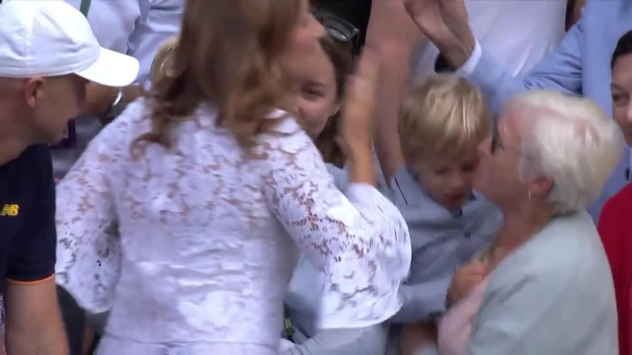 WATCH: Federer's children join family in box